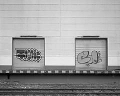 Die Laderampe (ekech) Tags: ishootfilm istillshootfilm buyfilmnotmegapixels film filmisnotdead analog analogue largeformat grosformat blackwhite monochrome supergrain frankfurt frankfurtammain fomapan foma fomapan200 fujinonw135mm intrepid intrepid4x5mk4 industrial