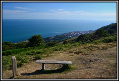 Ventnor from St. Boniface Down (coldnebraskablue) Tags: ocean sea england sky sunshine clouds bench town view hill peak aerial hike highpoint isleofwight moors englishchannel ats radarstation stbonifacedown wroxhall nikond7100 scenic 1855