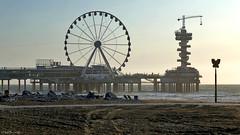 Scheveningen: evening at the Pier (Henk Binnendijk) Tags: beach plage strand scheveningen netherlands nederland holland dutch noordzee northsea summer denhaag thehague sea ferriswheel reuzenrad piervanscheveningen