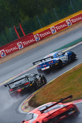 Wet race, 24 hours of Spa Francorchamps, 2019 (Thibault Gaulain) Tags: nikon d7200 tamron 100 400 100400 belgium belgique spa francorchamps circuit track sport course race racing voiture car auto automobile outdoor outside blancpain endurance series sro battle fight intercontinental gt challenge pirelli tyre tyres wing racecar downforce 2019 24 24h heures pluie rain weather wet pro am proam water été summer clouds fence gt3 nissan gtr godzilla bentley continental audi r8 bruxelles rivage hairpin kcmg msport wrt v6 v8 v10 turbo