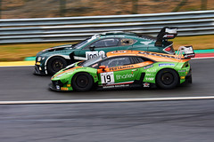 Around the outside, 24 hours of Spa Francorchamps, 2019 (Thibault Gaulain) Tags: nikon d7200 tamron 100 400 100400 belgium belgique spa francorchamps circuit track sport course race racing voiture car auto automobile outdoor outside blancpain endurance series sro battle fight intercontinental gt challenge pirelli tyre tyres wing racecar downforce 2019 24 24h heures pluie rain weather wet pro am proam water été summer clouds fence gt3 v10 v8 turbo