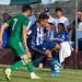 Rios Reina protegiendo el balon ante Omar Ramos