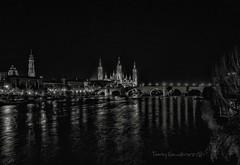 Zaragoza (tonygimenez) Tags: catedrales basilicas elpilar laseo rio puente nocturna bn city ciudad zaragoza aragón españa ebro