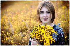 0R4A9102-2 (andre.pugachev) Tags: портрет девушка красивая желтый букет лето цветы цветение цветущий луг день солнечный sunny day meadow bloom flowers bouquet yellow beautiful girl portrait eye взгляд
