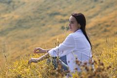 0R4A7800 (andre.pugachev) Tags: девушка женщина желтый лето осень трава день солнечный girl women sunny summer grass day красивый
