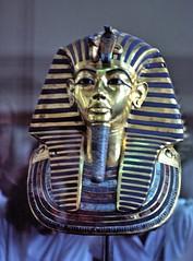 lecaire-musee_003 : masque de Toutankhamon @ Le Caire (pascalvu1) Tags: egypt film kodachrome nikonf art