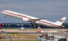 A6-SIL - Boeing 777-35RER - LHR (Seán Noel O'Connell) Tags: abudhabiamiriflight a6sil boeing 77735rer b777 b77w 777 heathrowairport heathrow lhr egll rba gmme auh02 aviation avgeek aviationphotography planespotting bizjet