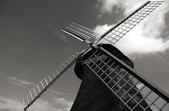 Meunier (Atreides59) Tags: moulin ciel sky nuages clouds paysbas netherlands holland hollande black white bw blackandwhite noir blanc nb noiretblanc pentax k30 k 30 pentaxart atreides atreides59 cedriclafrance