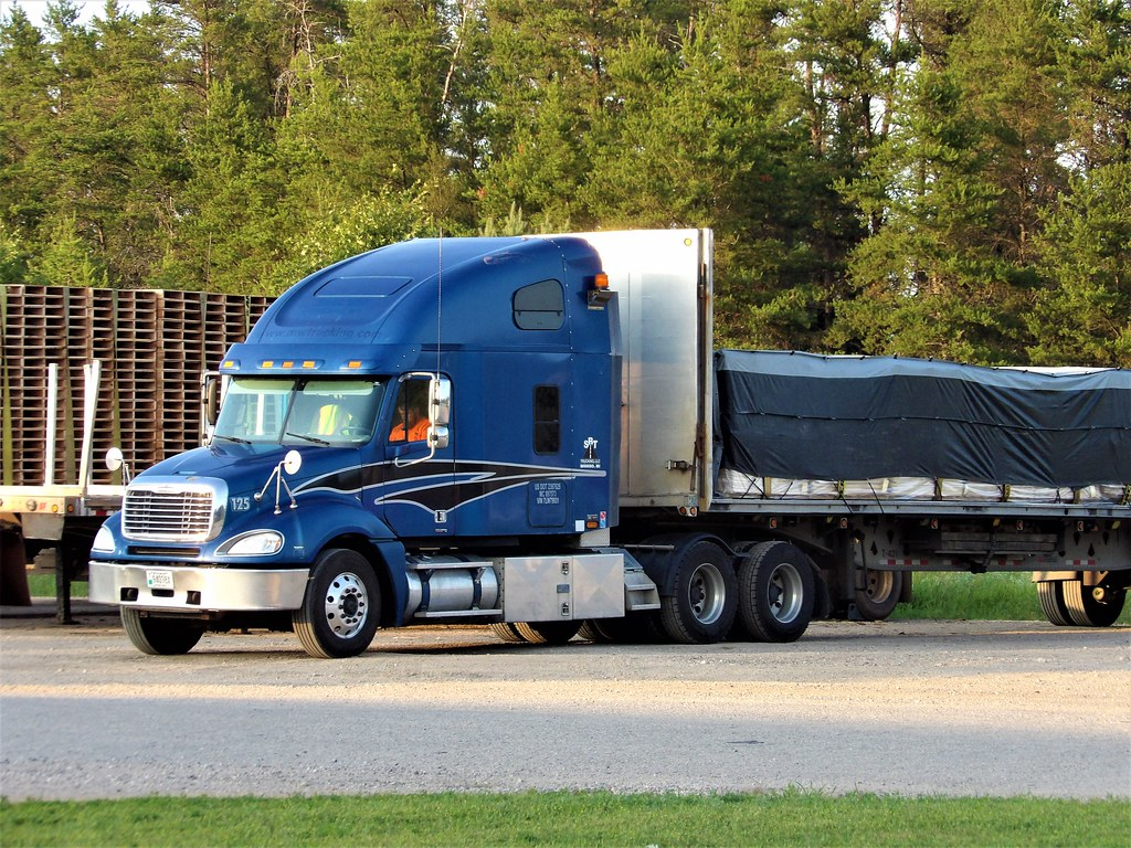 The World's Best Photos of flatbed and freightliner - Flickr