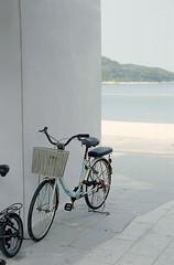 an afternoon at Mui Wo (Steve only) Tags: leica iiic ernst leitz wetzlar summitar f5cm 12 502 5cm 50mm f2 f20 l39 leicascrewmount leicathreadmount ltm m39 rf rangefinder kodak pro image 100 film epson gtx970 v750 snaps bike bicycle sea beach