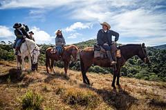 Cavaleiros (Ars Clicandi) Tags: minasgerais brasil bocainademinas park parque brazil horse mountain national nacional cavalo itatiaia hdr montanha cavaleiro parnai