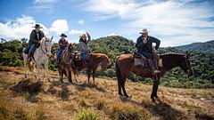Cavaleiros (Ars Clicandi) Tags: bocainademinas minasgerais brasil brazil itatiaia parque nacional parnai national park montanha mountain cavalo cavaleiro horse hdr