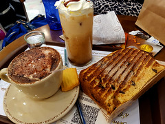 Café & Panettone (Arimm) Tags: arimm café panettone são paulo bread toast coffee cup table glass