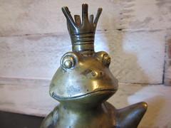 happy ever after (hussi48) Tags: bronze froschkönig frosch frog märchen nahaufnahme