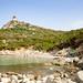 Strand am Fuss des Turms von Porto Giunco (Spiaggia di Porto Giunco) auf Sardinien, Italien