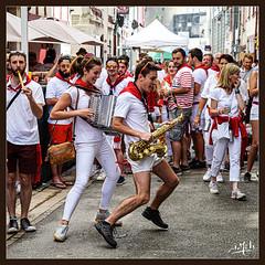 Le spectacle est aussi dans la rue / The show is also on the street - Fêtes de Bayonne (christian_lemale) Tags: fêtes bayonne france pays basque feast nikon z6