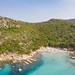 Der Strand des Turms von Porto Giunco (Spiaggia Torre Porto Giunco) am Fuss des Sarrabus-Gebirges auf Sardinien, Italien