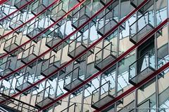 Balkone innerhalb des Sony-Centers (Christa Bronner und Wolfgang Bruchhagen) Tags: berlin sonycenter sony potsdamerplatz architektur