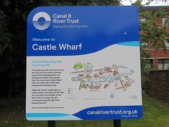 Nottingham Canal, July 2019 (Dave_Johnson) Tags: nottsbeeston nottinghamcanal canal britishwaterways waterways castlewharfe sign wharfe