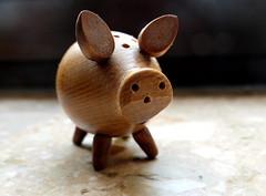 Wooden piggy (Zandgaby) Tags: wood piggy toy small macro macromondays madeofwood ~explore~