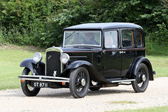 1933 Austin Saloon (Roger Wasley) Tags: 1933 austin saloon ot8711 toddington classic car vehicle oldtimer