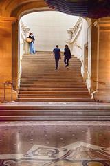 """"""" Le monde est un escalier, l'un y monte, l'autre descend. """" Proverbe italien (Chocolatine photos) Tags: escalier palais beauxarts lille photo photographesamateursdumonde pdc makemesmile nikon flickr"""