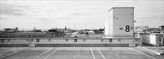 für den Wachtmeister (fluffisch) Tags: fluffisch darmstadt bessungen hasselblad xpan panorama 45mmf40 rangefinder messsucher analog film kodak trix400