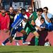 Borja Sanchez protegiendo el balon