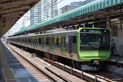 Tokyo (Jan Dreesen) Tags: japan japon tokyo tokio chiyoda city marunouchi district central train station yamanote loop line jr east railways emu e235 series