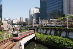 Tokyo (Jan Dreesen) Tags: japan japon tokyo tokio city kanda river ochanomizu station jr railway train subway metro marunouchi chuo sobu main line emu 02 series urban landscape
