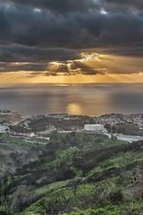 05012019-DSI_4069 (Jesús Carmona) Tags: amanecer garciaaldave vertical ceuta paisaje mar costa nube rayo