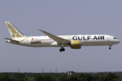 Gulf Air 787-9 A9C-FE at London Heathrow LHR/EGLL (dan89876) Tags: gulf air boeing 787 dreamliner b789 7879 a9cfe london heathrow international airport landing runway 09l lhr egll