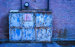 big blue (Mano Green) Tags: rust decay industry industrial factory paint brick wall kendal cumbria england uk october autumn 2016 canon eos 300 40mm lens kodak gold 200 35mm film colour epson perfection v550 peeling