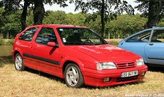 Citroën ZX 2.0 16V 1997 (Wouter Bregman) Tags: eg941yw citroën zx 20 16v 1997 citroënzx red rood rouge célébrationcentenairedecitroën célébration centenaire 2019 lafertévidame 28 eureetloire eure et loire france frankrijk youngtimer old french car auto automobile voiture ancienne française vehicle outdoor
