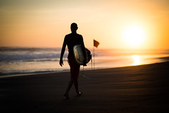 sunset surf.. (paul.wienerroither) Tags: bali indonesia asia southeastasia sunset colours colors travel travelphotography traveltheworld traveling surfer surf surfphotography beautiful beautifulworld light lightanddark ocean oceanlove oceanlover waves people person silhouette reflection beach beachwalk photography canon 50mm 5dmk3 5dmarkiii sand sandy sky view sea