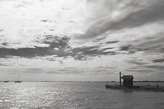 Chapelle (Atreides59) Tags: mer sea water eau ciel sky nuages clouds holland hollande paysbas netherlands black white bw blackandwhite noir blanc nb noiretblanc pentax k30 k 30 pentaxart atreides atreides59 cedriclafrance