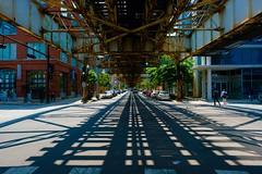 Under the L (dangaken) Tags: chicago chicagoil il illinois chi summer city urban chitown cityofbroadshoulders fuji fujifilm fujixt2 fujixmount fujixsystem fujifilmxsystem fujix fujifilmx