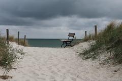 Bank mit Aussicht (julia_HalleFotoFan) Tags: ostsee dars zingst strand wolken prerow