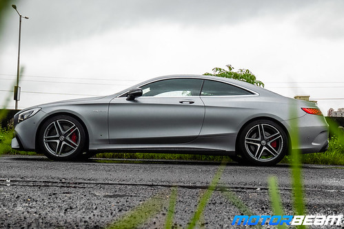 2019-Mercedes-AMG-S63-Coupe-28