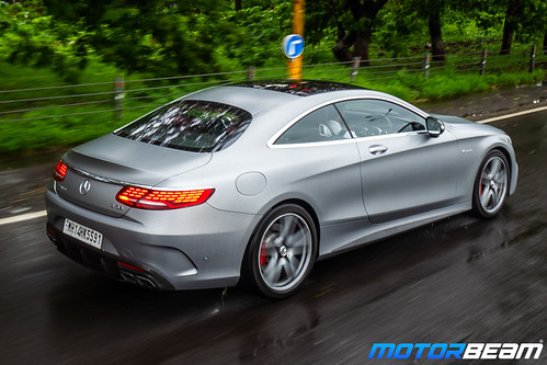 2019-Mercedes-AMG-S63-Coupe-10