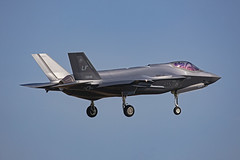 17-5245,  Lockheed F_35A Lightning II US Air Force @ Aviano LIPA (LaKi-photography) Tags: flugzeug plane jet avion fighter aircraft jagdflugzeug airport airbase airfield aeroporto aeropuerto flughafen flugplatz luftwaffe airforce forcaaerea usaf usairforce havalimanı havakuvvetleri самолет 航空機 аэропорт 空港 エアフォース ввс военновоздушныесилы italia italien italy aviation aviación aviaciónmilitar military militär aviano lipa lockheed f35 spotting canon eos5dsr