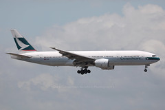 """B-HND, Boeing, 777-267, VHHH, """"Cathay Pacific"""", VHHH, Hong Kong (Daryl Chapman Photography) Tags: cx cpa cathaypacific boeing 777 772 777267 31 27264 landing arrival 07l cx509 plane planes planespotting planephotography hongkong china sar clk cheklapkok vhhh hongkonginternationalairport aviation aviationphotography canon 5d mkiv 100400lii"""