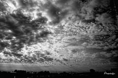 30_Amenaza en el cielo (Anavicor) Tags: nwn martesdenubes tuesdayclouds nicewonderfultuesdayclouds cloud cielo bn blancoynegro blackandwhite suiza switzerland sky himmel ciel nube nuage nuvola amenaza
