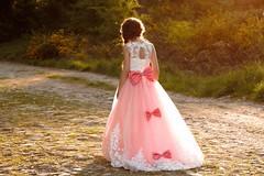 La Princesse perdue (Jolivillage) Tags: jolivillage enfant fille fillette girl ragazza lumière light luce robe dress fabuleuse