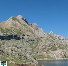 Lac d'Estaens (https://pays-basque-et-bearn.pagexl.com/) Tags: 1748m altitude aquitaine colinebuch espagne franceespagne ibóndeestanésibóndeestanés lac lacdestaens pyrénéesatlantiques frontière hautbéearn montagne nature pyrénées sudouest
