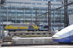 SNCF 67240 & 67253 (Will Swain) Tags: paris gare de lyon 22nd june 2019 south city france french transport travel europe train trains rail railways railway fr continent eu station sncf 67240 67253 67200