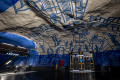 T-Centralen (Nic2209) Tags: tcentralen nikond750 nic2209 flickr2019 flickr 2019 ubahn bahn station ubahnstation stockholm schweden stockholmerubahn architektur architecture licht farben light colors tunnelbana