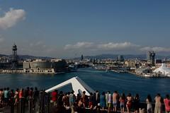 ABANDONANDO EL PUERTO DE BARCELONA (marthinotf) Tags: puerto barcelona cataluña españa crucero marmediterraneo vistadebarcelona nubes bellissimmademsc turismo cruceros verano vacacionesnavegación