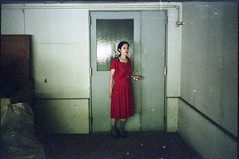 (✞bens▲n) Tags: minolta cle natura 1600 rokkor 40mm f2 film analogue portrait door nozomi hoshikawa milkyway