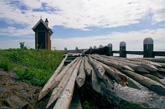 Effilés (Atreides59) Tags: paysbas netherlands holland hollande ciel sky nuages clouds water eau mer sea vert green bleu blue pentax k30 k 30 pentaxart atreides atreides59 cedriclafrance